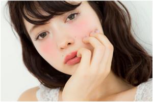 今天的流行是不補妝!從日本大勢襲來的「宿醉妝」,從2015紅到2017~!